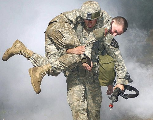 soldier_carrying_soldier